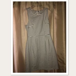 Old Navy Black and White Dress Size Small